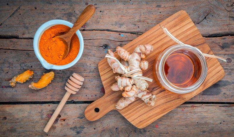 usare la curcuma curcuma e miele